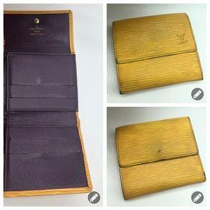 💯 authentic Louis Vuitton Epi Leather wallet